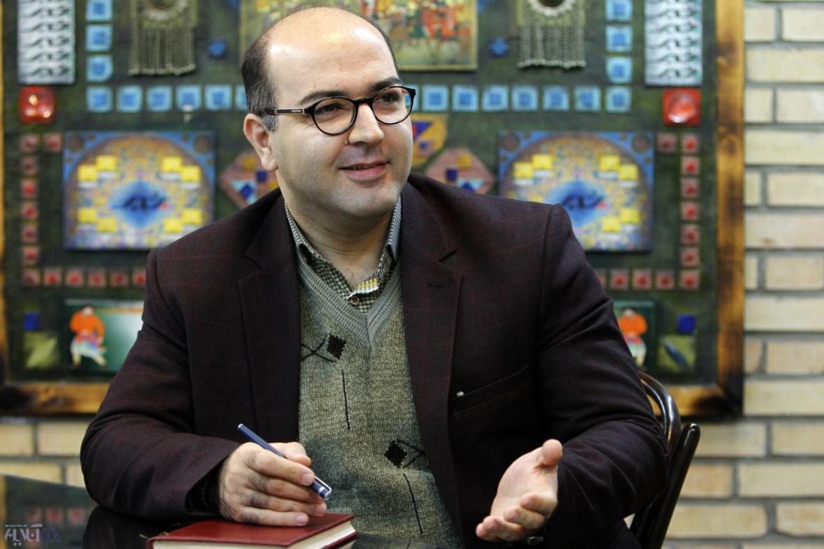 دیاکو حسینی: واشنگتن با انتخاب لهستان برای نشست کوشش دارد به سیاست های خود علیه تهران وجهه اروپایی بدهد