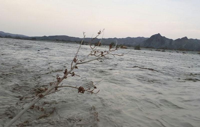 طغیان رودخانه 43 راه روستایی شهرستان مهرستان را مسدود کرد