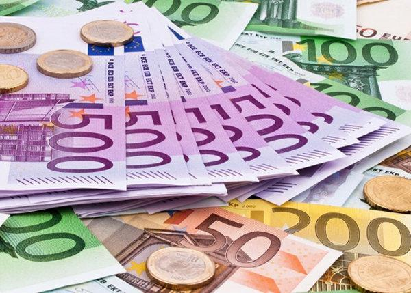 افزایش قیمت دلار، کاهش 102 ریالی قیمت یورو