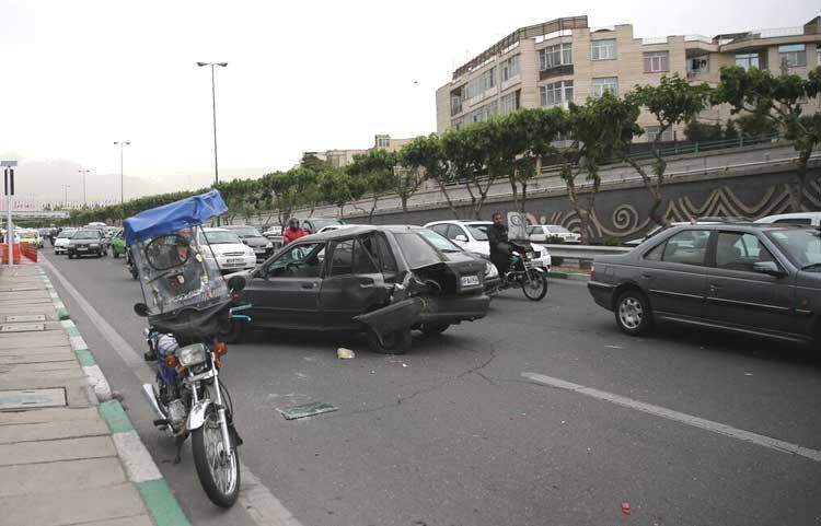 17 مصدوم و یک کشته در حوادث جاده ای کرمان