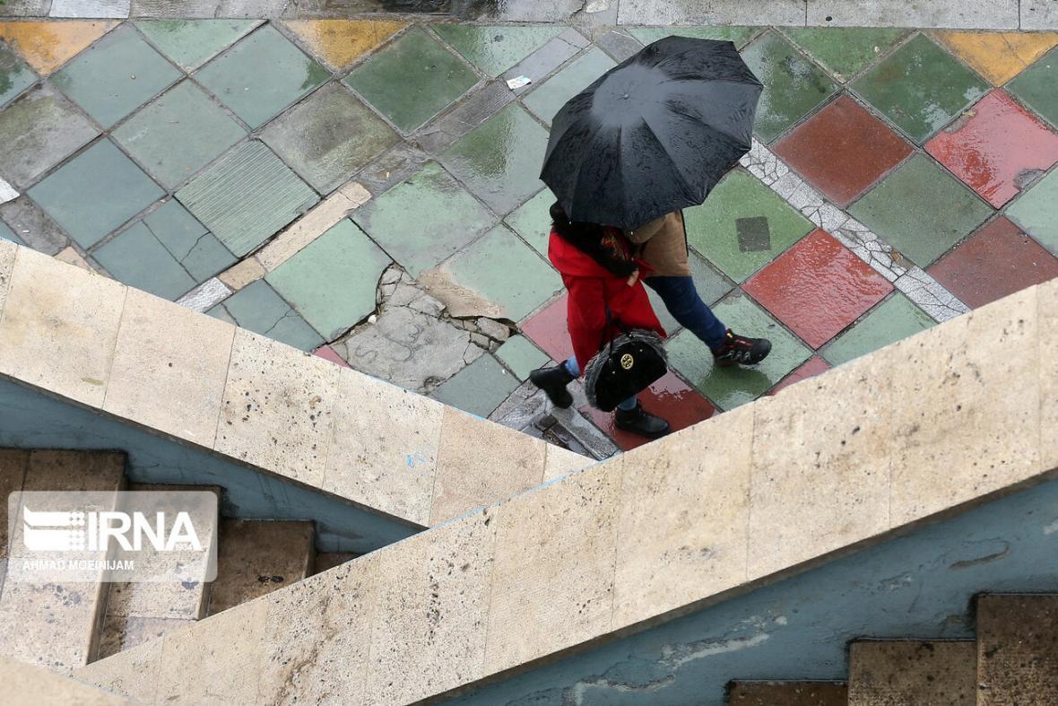 خبرنگاران بارش پراکنده و وزش باد در تهران پیش بینی می گردد